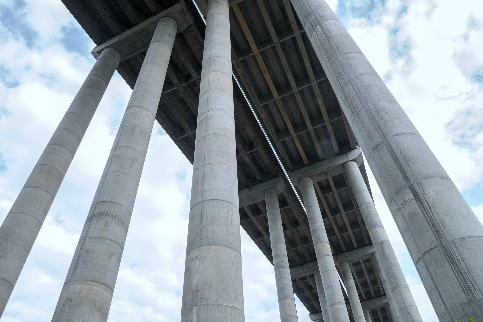 Bridge pier